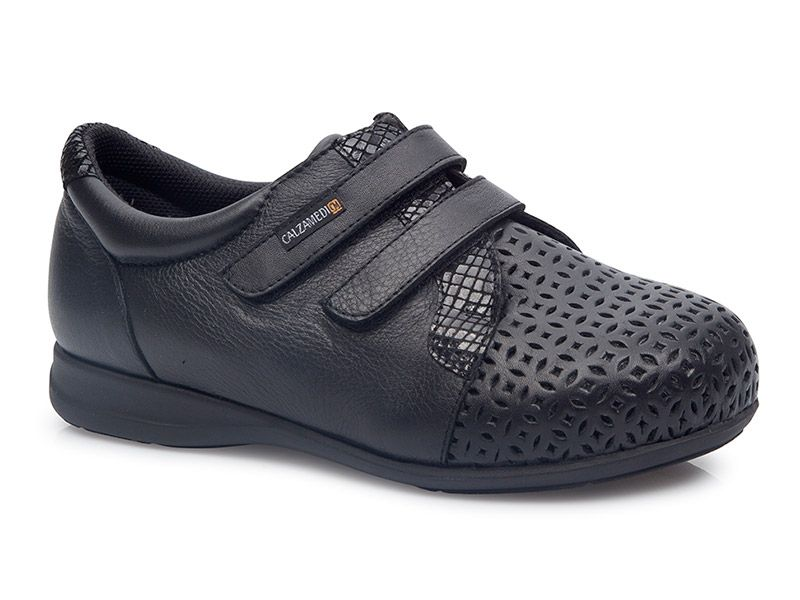 5206433d9e Easy vamp opening with two adjustable straps. This extra deep shoe allows  for thicker orthotics to be fitted.